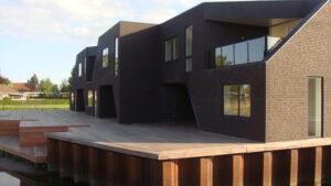 Eksklusive bolider i Åbyen